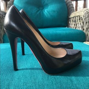 "CHRISTAIN LOUBOUTIN ROLANDO PUMPS BLACK 4.75"" 6"